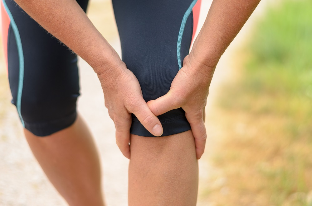 Athlete suffering from knee pain